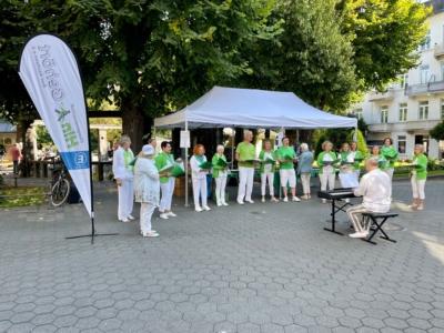 Der Chor bei einem seiner Auftritte im Rahmen des 12. Bad Nauheimer Suppenfestes